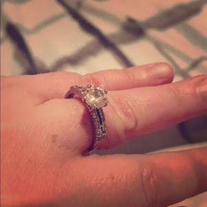 Jewelry - 🎊Wedding Band Set🍾